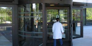 Revolving door in Restaurant Burlington, London, Ottawa in Ontario